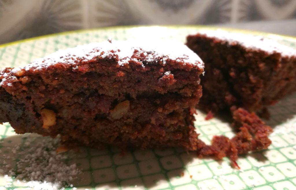 Rote-Bete-Brownie Kuchen aus Rote Bete und Schokolade