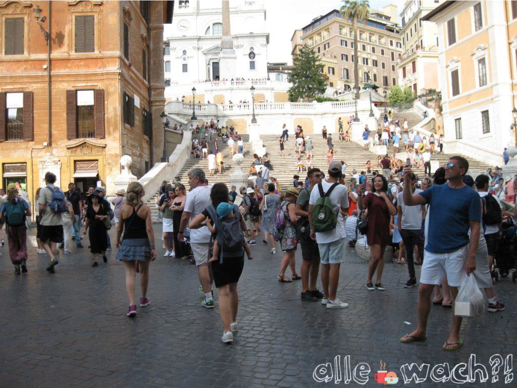 Spanische Treppe in Rom. Stadtreise mit Kindern