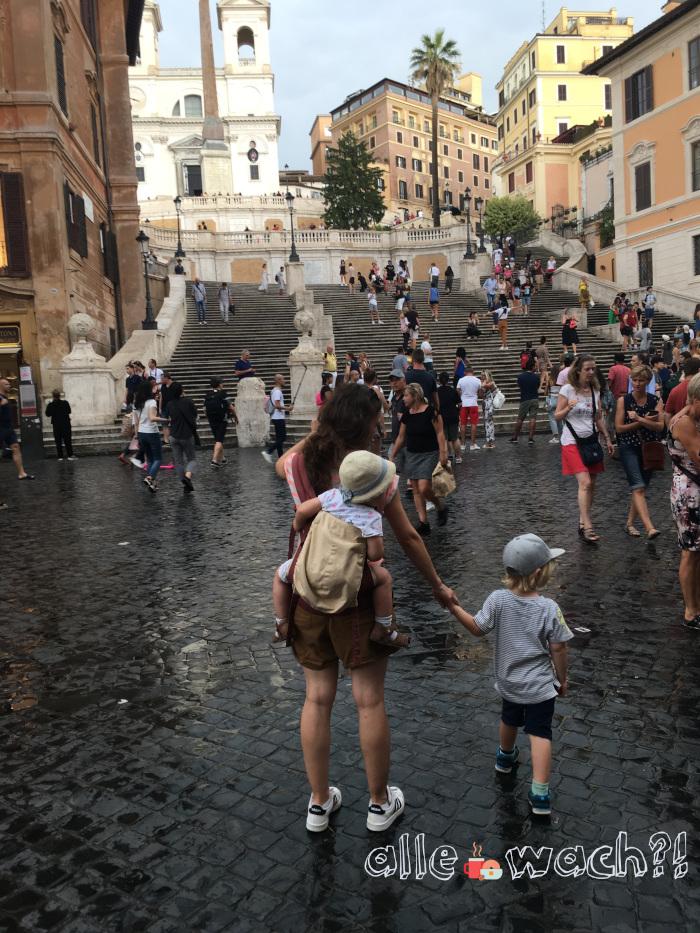Rom mit Kindern 2019: Bei Regen ist die spanische Treppe verhältnismäßig leer