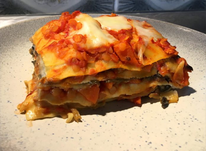 Vegetarische Auberginen Lasagne Linsen Bolognese